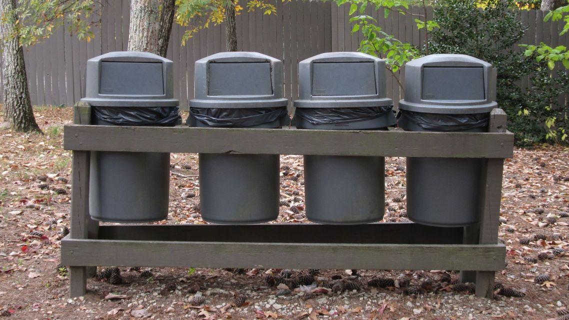Separujeme odpad.....