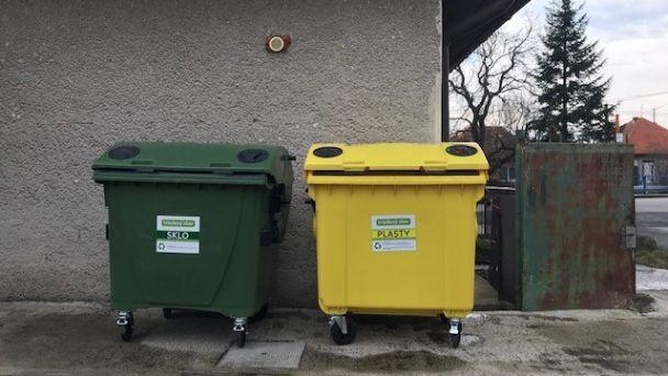 Kontajnery v obci na separovaný zber